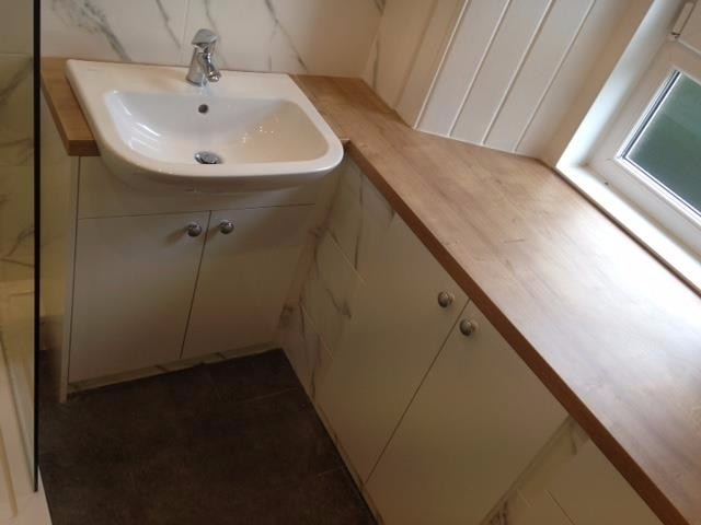 Edinburgh bathrooms and kitchens ltd fittersinstallers for Bathroom suppliers edinburgh